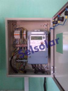 panel box listrik tenaga surya